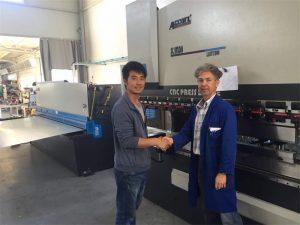 Cypern klientbesøg Tryk på bremsemaskine og skæreautomat i vores fabrik