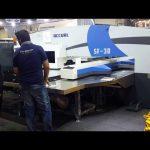 Højkvalitets servo cnc hydraulisk turret punch pressemaskiner