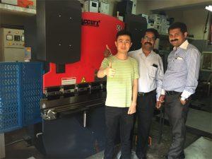Indien kunder besøger fabrikker og køb maskiner
