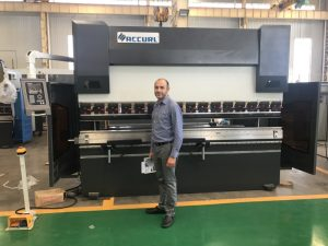 Iran Client Testing Machine i vores fabrik 1
