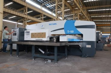 cnc hydraulisk turret punch presse til 30 tons cnc stansning pressemaskine