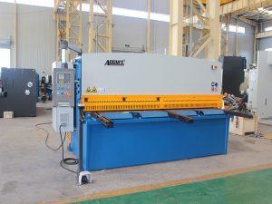 hydraulisk skæremaskine med svingstråle
